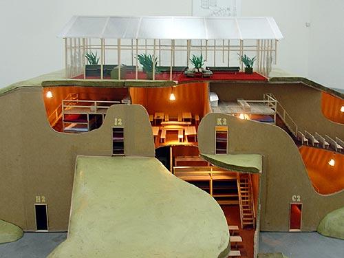 Atelier van Lieshout, model voor 'Slave City', 2006