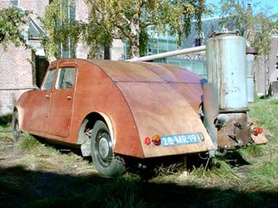 Joost Conijn's auto (2001) in het Centraal Museum