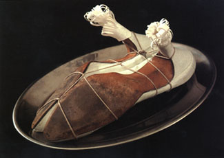 Meret Oppenheim: 'Ma Gouvernante - My Nurse - Mein Kinderm�dchen'; 1936