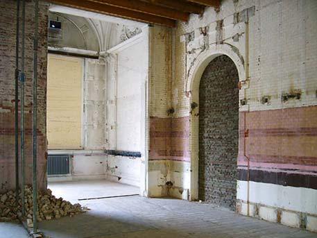 De onttakelde winkel in het Stedelijk - foto: Robbert Roos